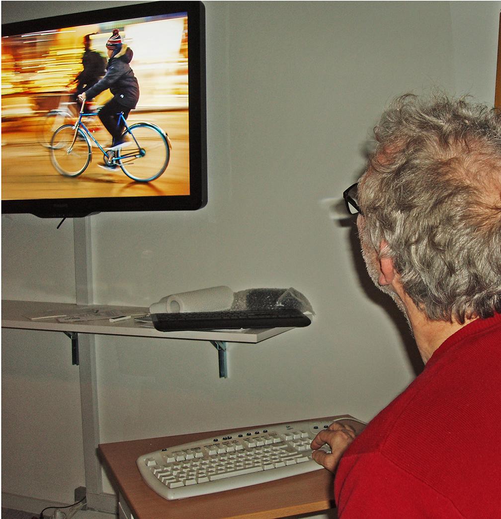 Carsten viser sine cyklister i bevægelse